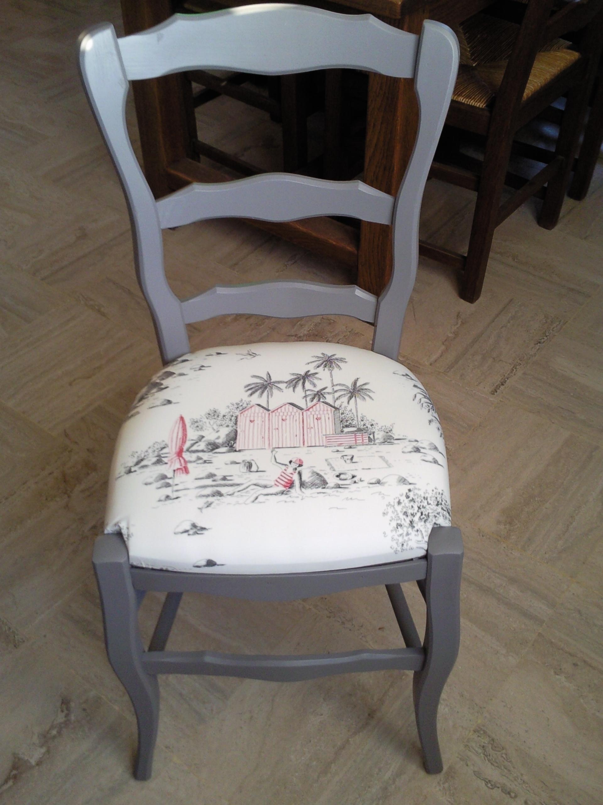 Chaise-grise-poivre